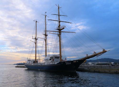 帆船「みらいへ」蒲郡寄港